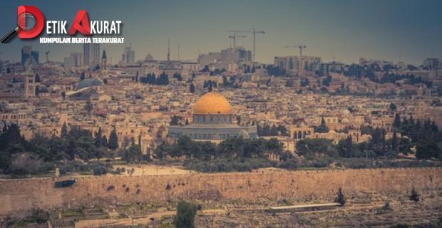 Polisi Israel Serbu Masjid Al-Aqsha, Puluhan Warga Palestina Ditangkap