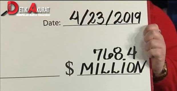 hujan-uang-pria-amerika-ini-menang-lotre-1-triliun1