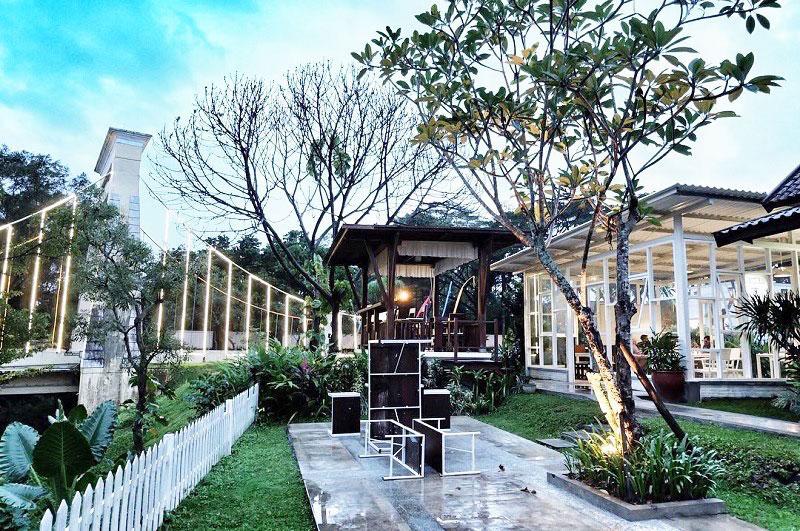 4. BataPuti Coffeehouse
