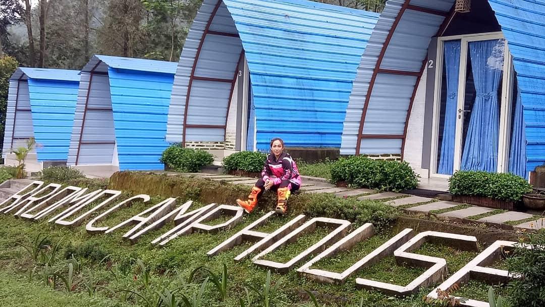 5. Bromo Camp House