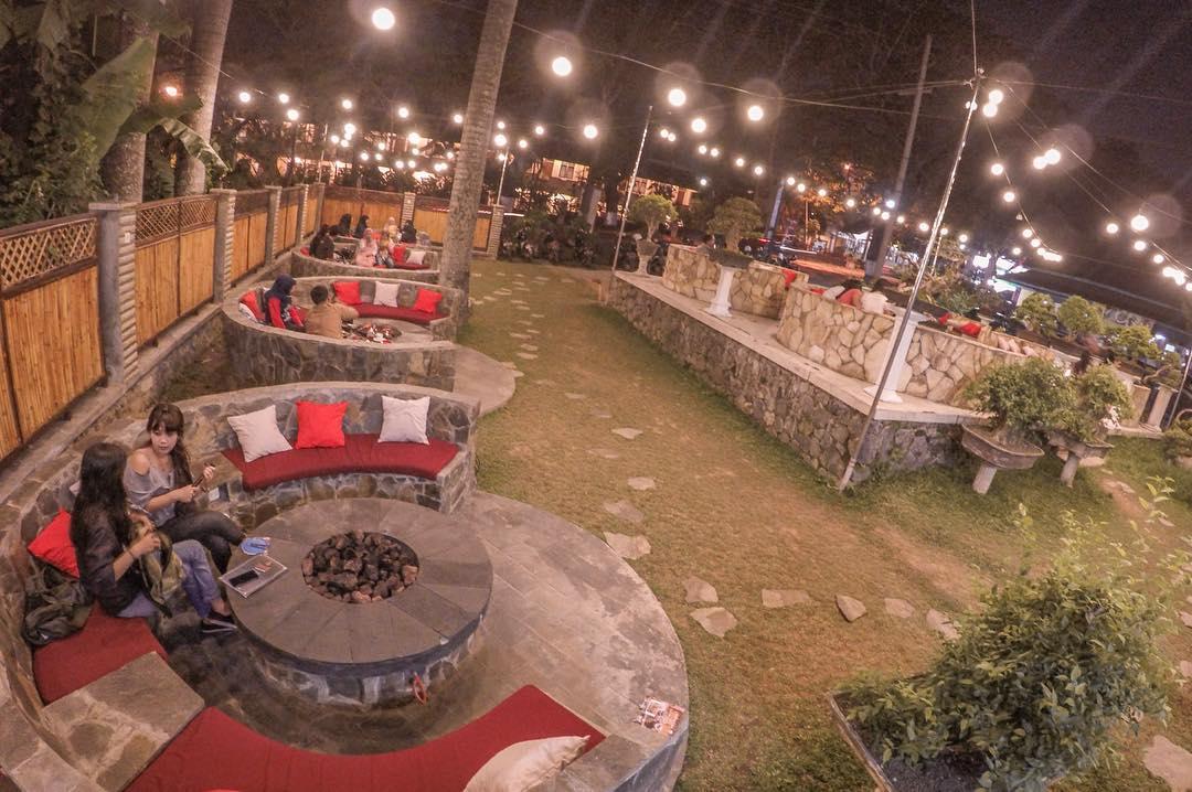 5. Campfire Outdoor Cuisine